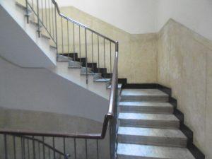 scale portone